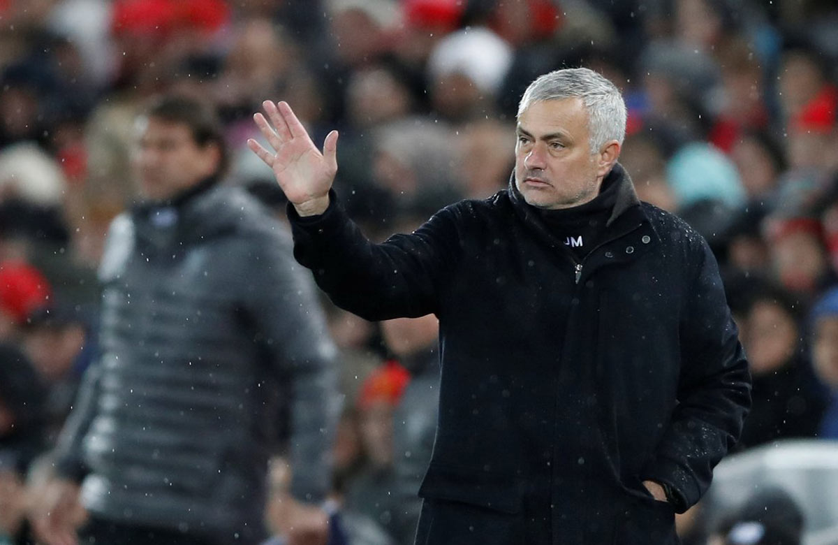 Manchester United vyhodil Jose Mourinha!