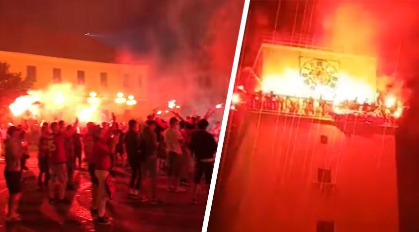 07771e4e5d81c Epické oslavy fanúšikov Trnavy v meste. Horelo doslova celé námestie! (VIDEO )