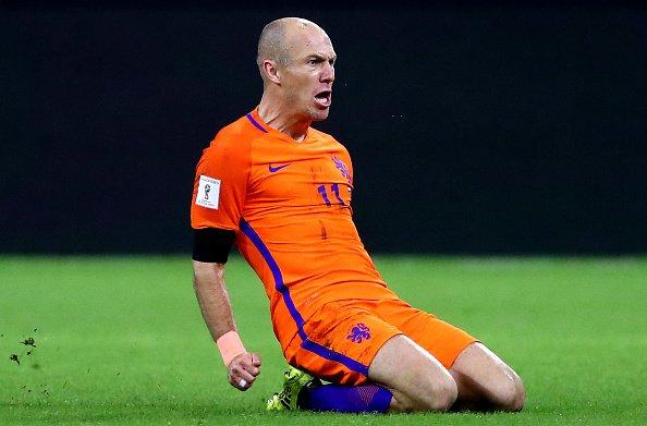 83be0aa97 Arjen Robben sa rozhodol ukončiť reprezentačnú kariéru. V poslednom zápase  za Holandsko strelil krásny gól. MS vo Futbale 2018 ...