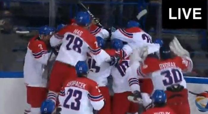 47fb790dc542d Senzácia na svete: Českí hokejisti do 18 rokov vyradili vo štvrťfinále  Kanadu! (VIDEO)